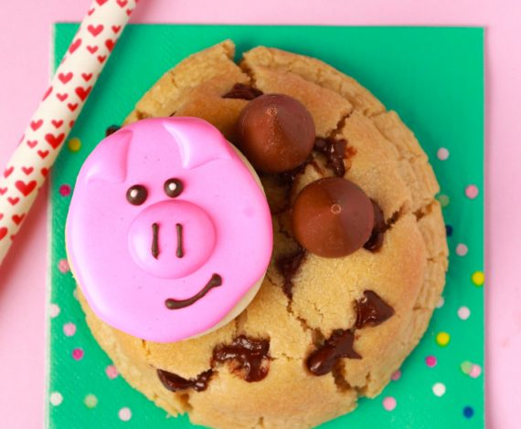 Hogs & Kisses Cookie
